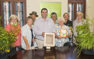 Christmas Draw – Groups first Christmas raffle, fully stocked hive of native stingless bees (1st Prize – David Kelly) drawn by Mayor Richie Williamson at the Clarence Landcare Office